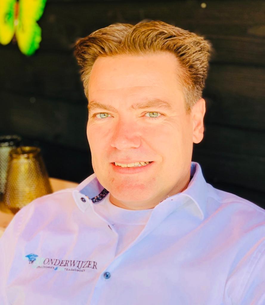 Rijschoolhouder Marc Hanson, Roosendaal